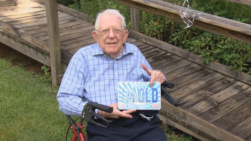 Vernon Godfrey served in the United States Army during World War II.