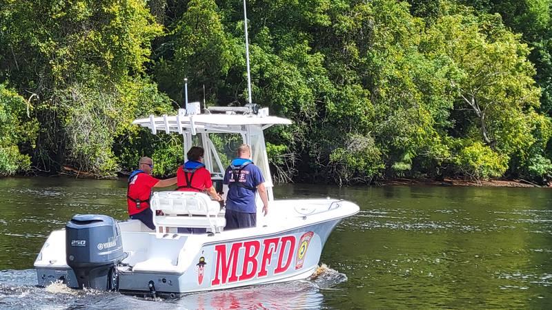 MBFD Ocean Rescue Crew cruising the waterway