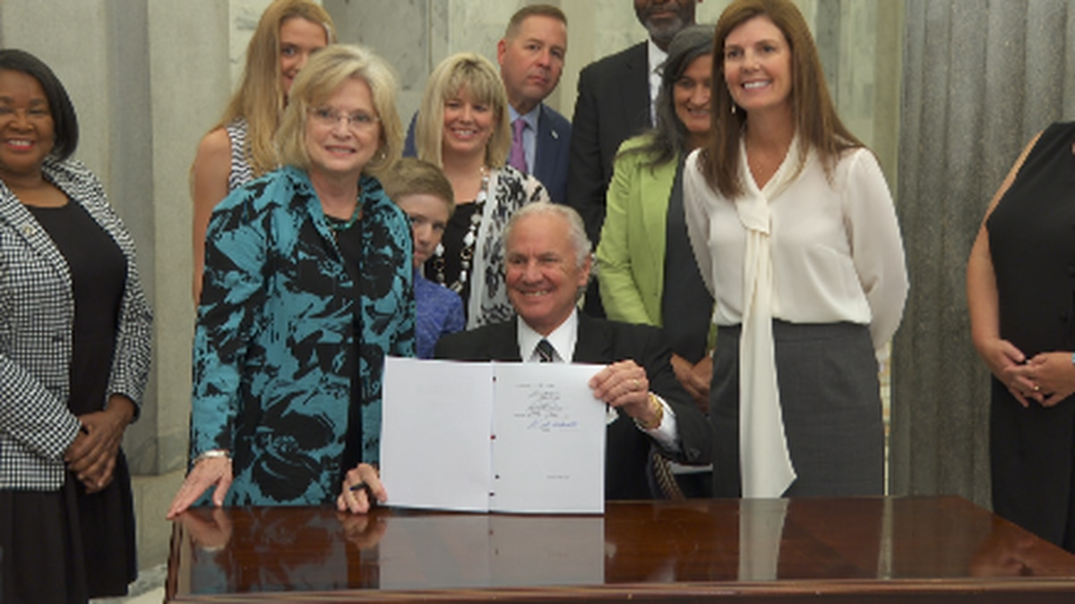 SC Gov. signs law requiring suicide prevention on student IDs