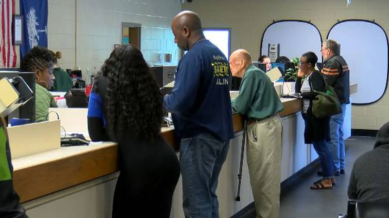 People line up to give personal information to the DMV in Ladson, SC (Live 5 News).