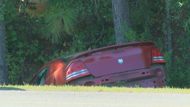 High-speed chase on Highway 31 ends in crash near Pirates Voyage.