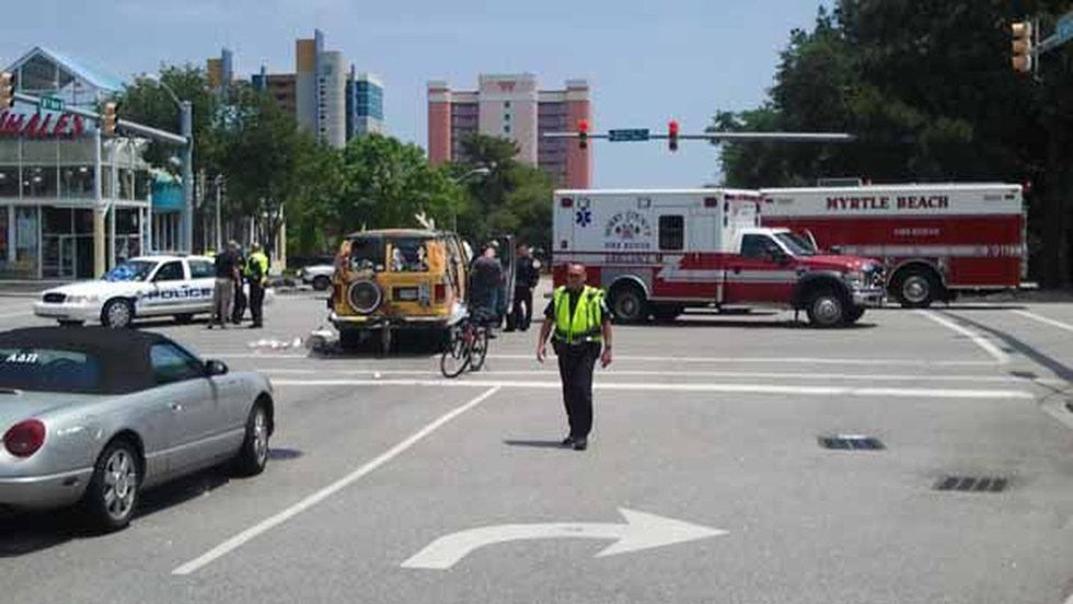 Officers on the scene of the accident Thursday (Source: WMBF News Photographer Michael Walter)