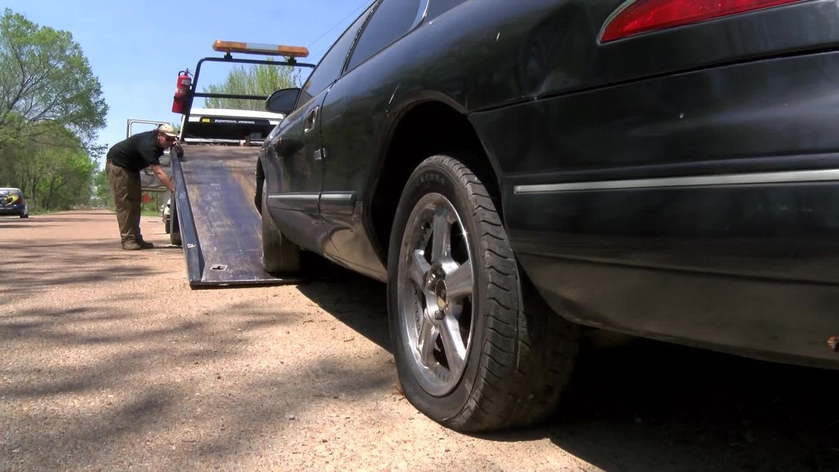 Memphis police accidentally allowed an imposter tow truck driver to tow a vehicle, only to find...