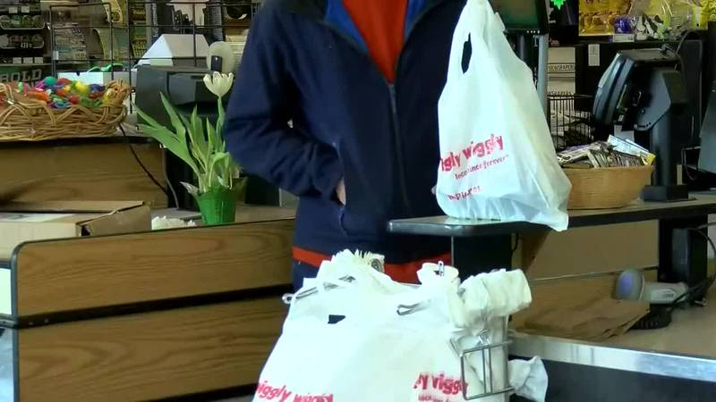 North Myrtle Beach is closer to banning plastic bags. (Source: WMBF News)