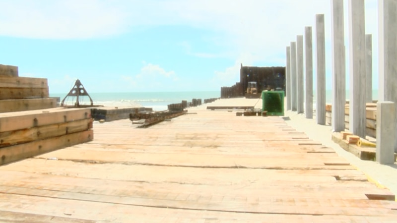 Residents sound off on timeline changes to Surfside Beach Pier construction project