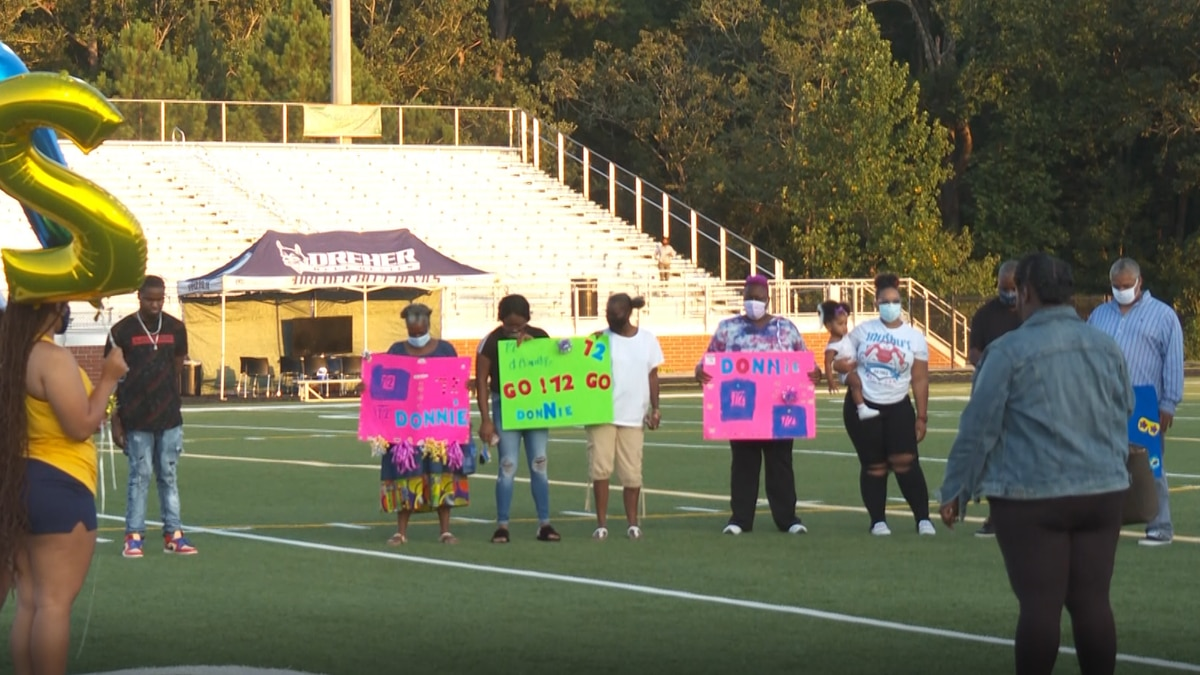 Donadrian Robinson's family reacts to tribute from WJ Keenan High School