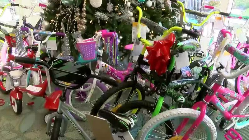 The Cresswind community has made it a holiday tradition to help give kids in need a Merry...