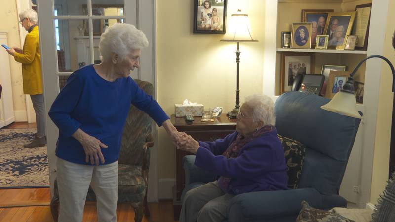 91-year-old and 92-year-old best friends survive COVID-19