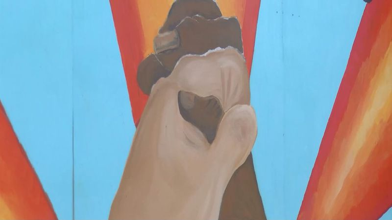 The Beachside Chats mural along Mr. Joe White Avenue. (Source: WMBF)
